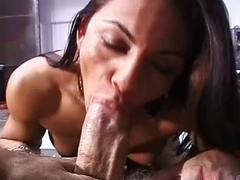Sugary-sweet dark haired woman in sizzling blow-job act clothespins in here