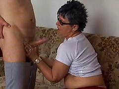 Chubby granny amateur in glasses gets pleasure of cock